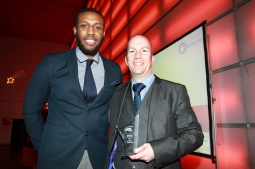 niall-williams-parkwood-academy-presenting-educational-progress-award-to-dean-jones-on-behalf-of-glenn-brightmore